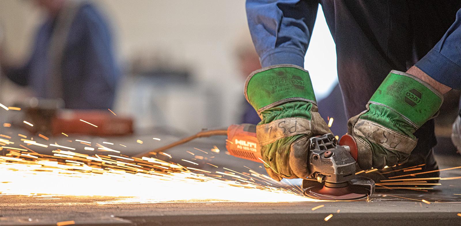 Hahner Technik: Stahlbau-Infotage – Schleifen von Stahl – Bernhard Hahner Blog